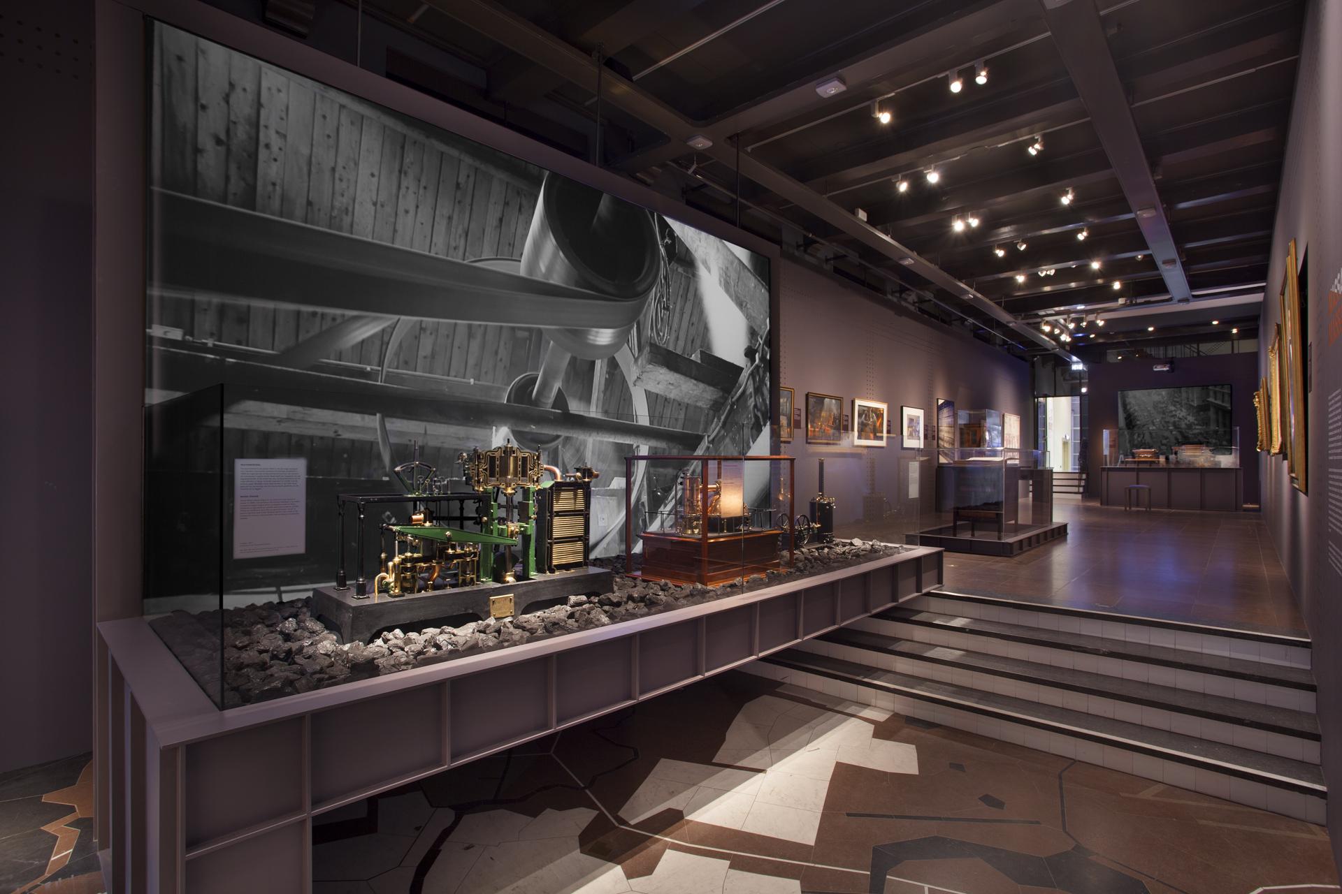 tentoonstellingsontwerp ijzeren eeuw amsterdam museum 07 jpg