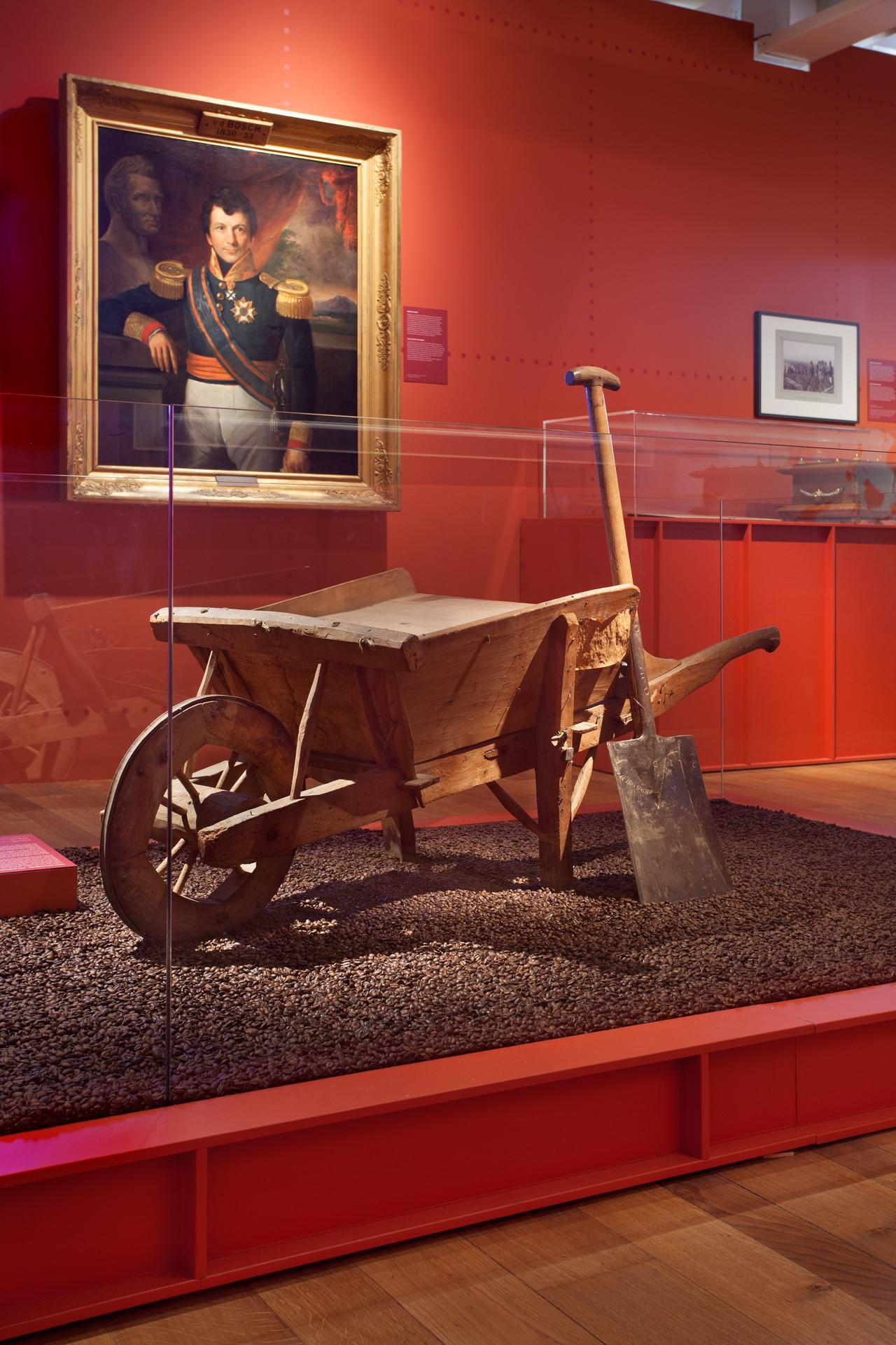 tentoonstellingsontwerp ijzeren eeuw amsterdam museum 14 jpg