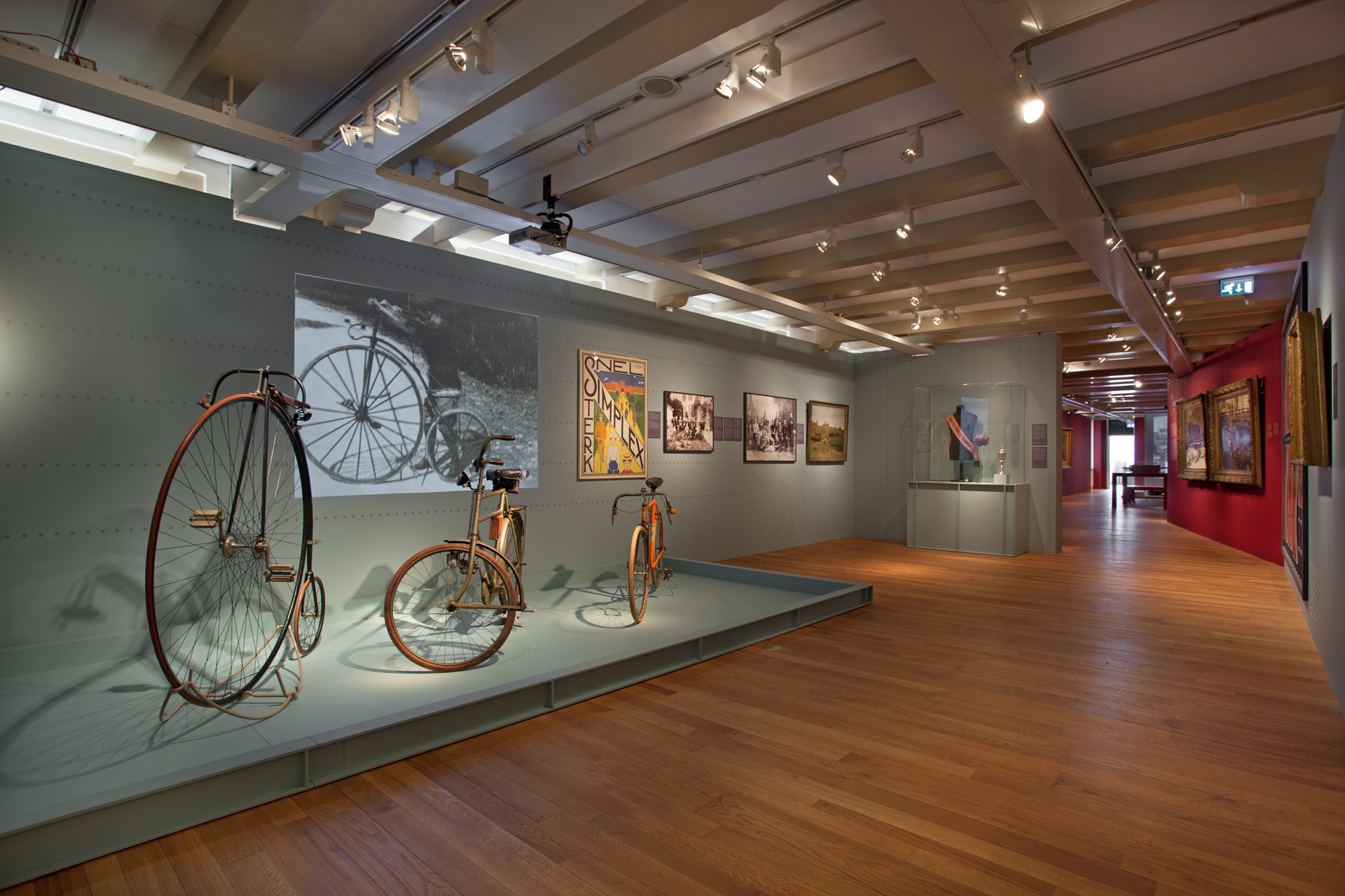 tentoonstellingsontwerp ijzeren eeuw amsterdam museum 15 jpg
